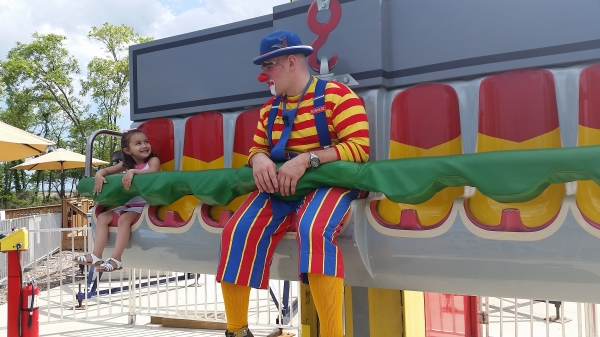 Kids Love Our Clowns